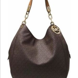 Michael Kors Bag NWT NEED GONE MAKE AN OFFER :)